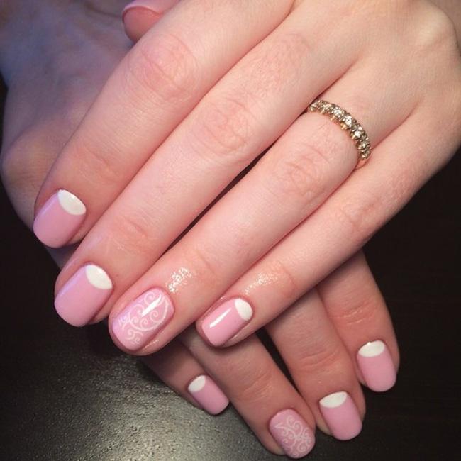 Лунный розовый дизайн ногтей