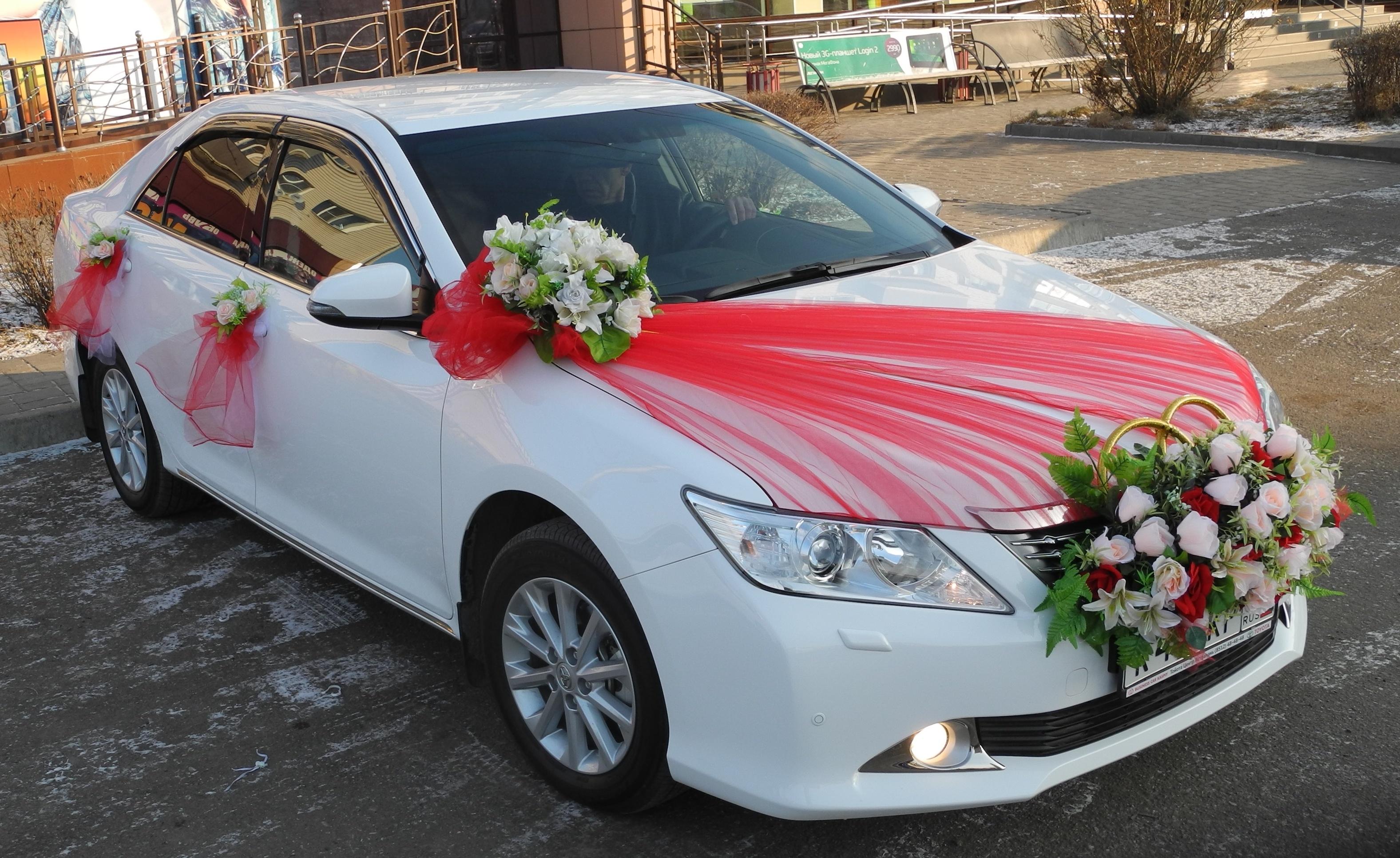 Украшение машины своими руками на свадьбу фото