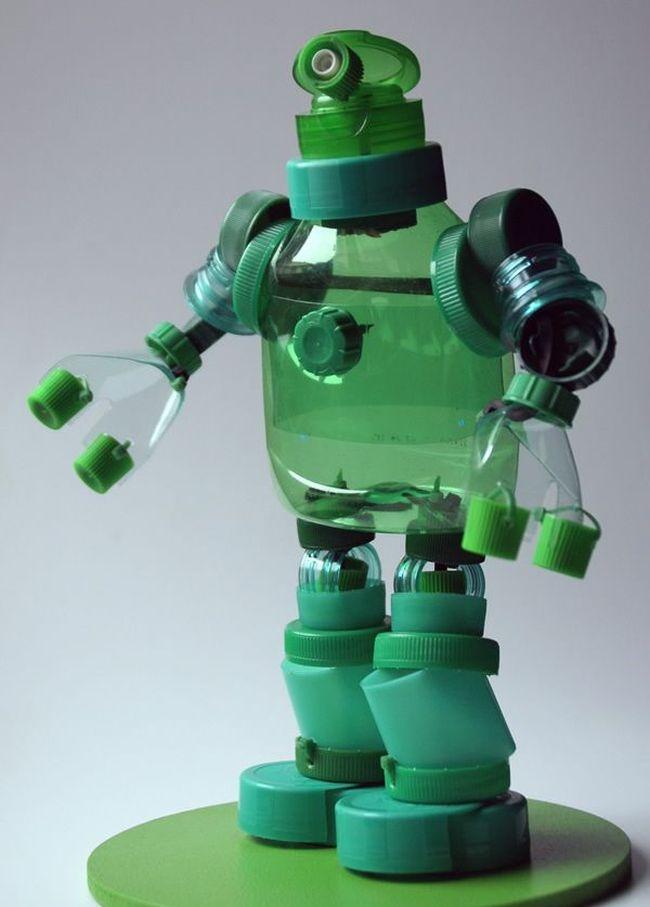 Робот своими руками из пластиковых бутылок