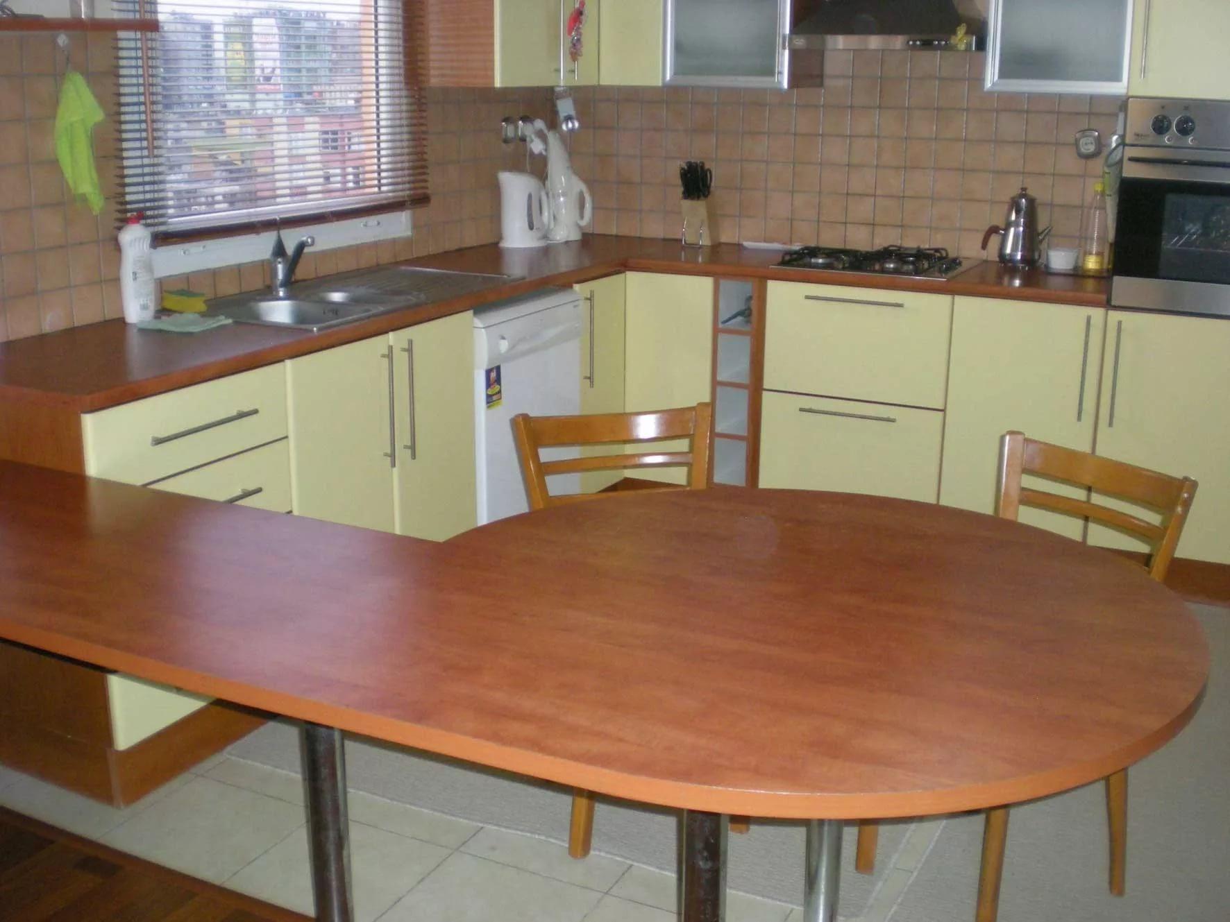 Стол для маленькой кухни: как правильно выбрать.