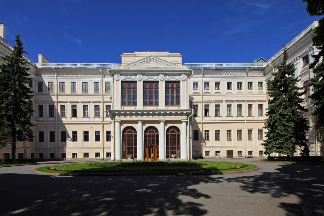 Дворец Строгановых начало Барокко Архитектор Растрелли