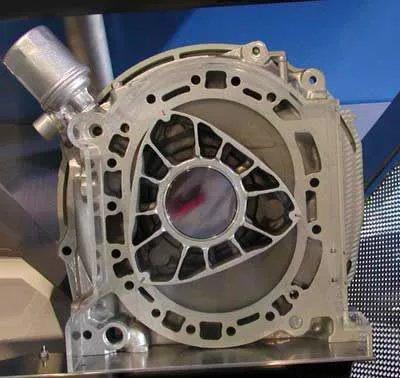 Роторный двигатель: принцип работы. Плюсы и минусы роторного двигателя - фото 1
